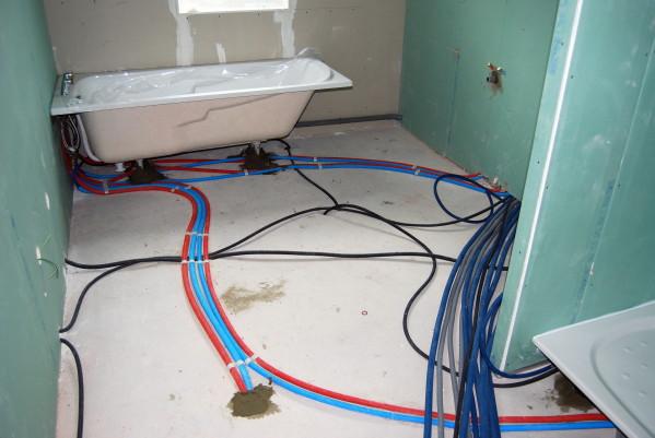 5 probl mes de plomberie les plus fr quents dans une salle de bain. Black Bedroom Furniture Sets. Home Design Ideas