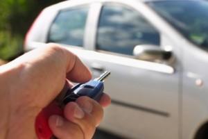 05945752-photo-arnaques-votre-voiture-est-elle-volee