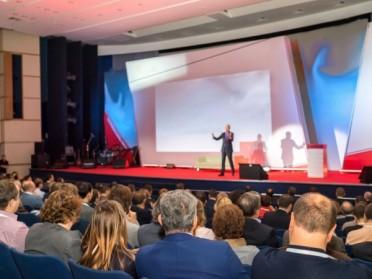 Comment bien choisir sa salle de conférence à Paris ?