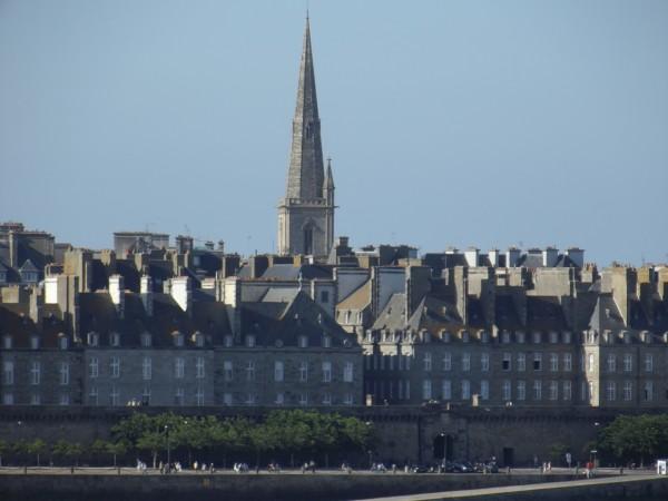 Flèche_de_la_Cathédrale_Saint-Vincent_(Saint-Malo,_35)