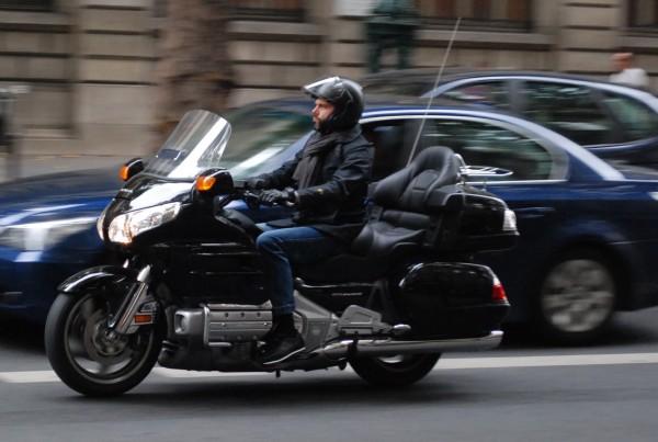 Trouver un moyen de transport rapide et unique à Paris