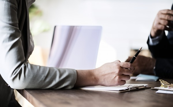 Comment rédiger les statuts de création d'entreprise ?