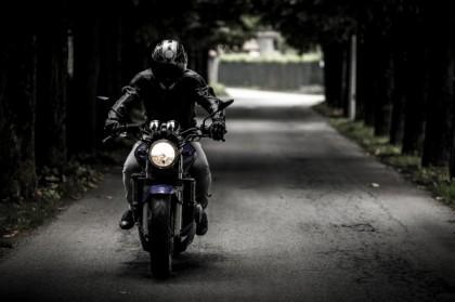 Les avantages de se déplacer en moto