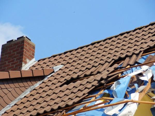 Quels sont les étapes pour entretenir la toiture ?