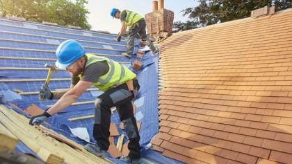 Travaux rénovation de toiture : le guide pour tout savoir