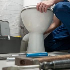 Comment faire pour déboucher une toilette ?
