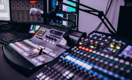 Optez pour le mastering en ligne de votre musique