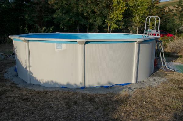 Installer une piscine tubulaire : les étapes à suivre