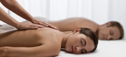 Les particularités d'un massage duo pour futurs parents