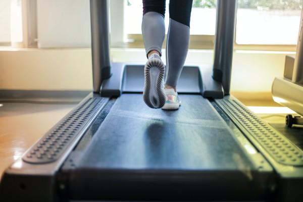 Apprendre à courir avec un tapis de course