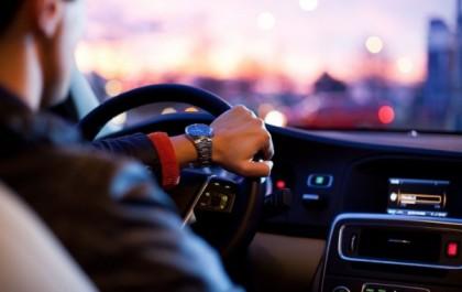Chauffeur taxi ou VTC : qui appeler dans l'Ain ?