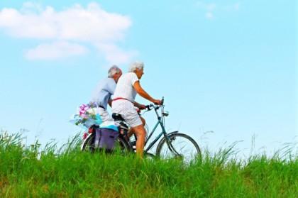 Comment faire pour bien protéger une personne âgée