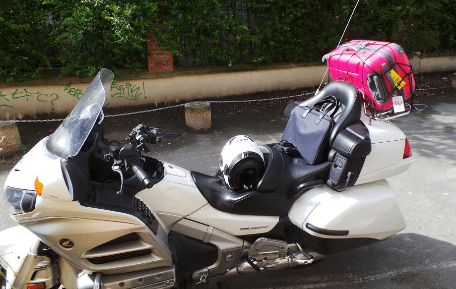 Le phénomène des taxis motos prend de l'ampleur à Paris