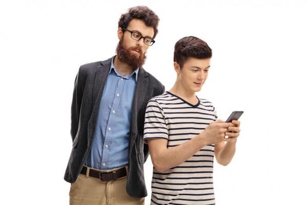 Est-il possible de surveiller le téléphone de son ado ?