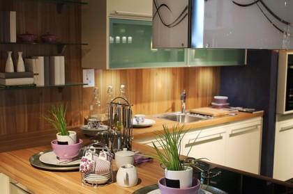 Mettre en valeur sa cuisine avec une table inox
