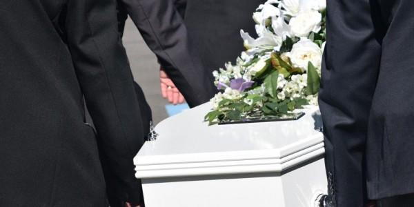Assurer l'organisation des obsèques d'un proche