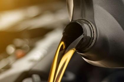 Tout savoir sur l'huile de boîte de vitesses